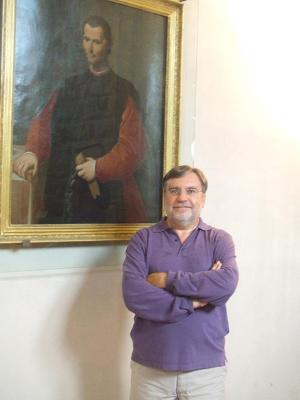 Josef Colomer with_Machiavelli in Florence